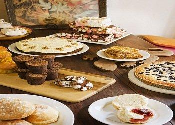 image goanna-041011_cake-table-2-jpg