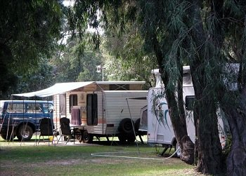 image spa-chalets-and-standard-chalets-at-gracetown-caravan-park-9-jpg-jpg