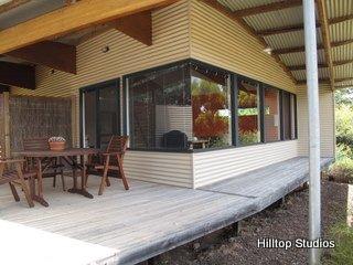 image hilltop-studios-margaret-river-chalet-11-jpg