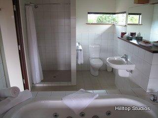 image hilltop-studios-margaret-river-chalet-13-jpg