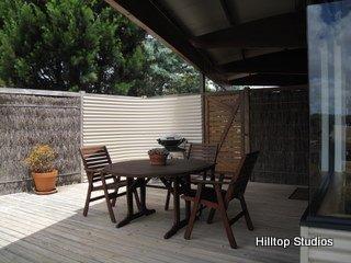 image hilltop-studios-margaret-river-chalet-18-jpg