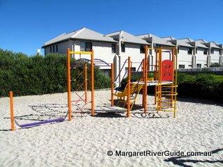 image margarets-beach-resort-20-jpg