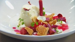 Cheesecake, rhubarb, and sable biscuit